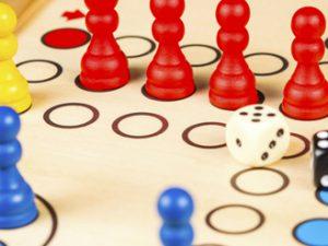 Juegos de mesa para niños - El parchis
