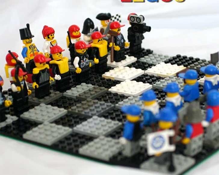 ajedrez lego tablero figuras
