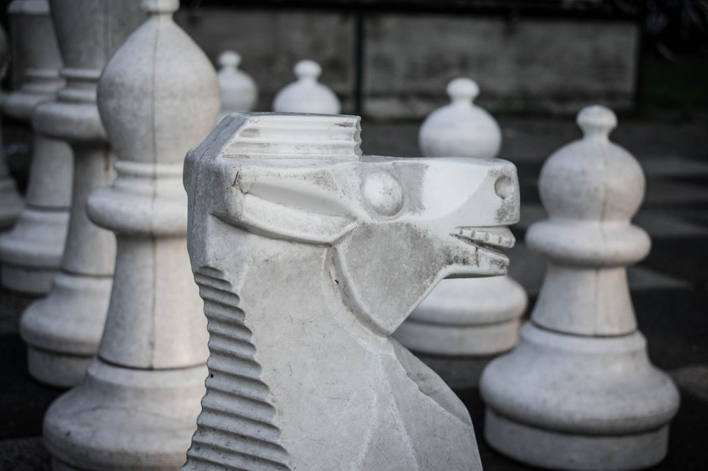 caballo ajedrez piedra